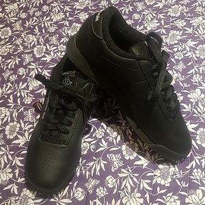 Ladies Reebok gym shoe